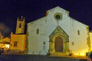 La iglesia parroquial gótica de São Clemente.