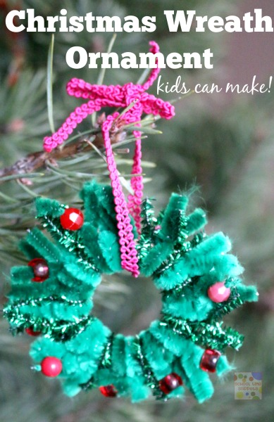 pipe cleaner ornament wreath kids can make