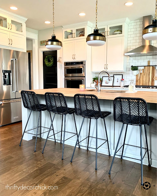 black accents in light kitchen