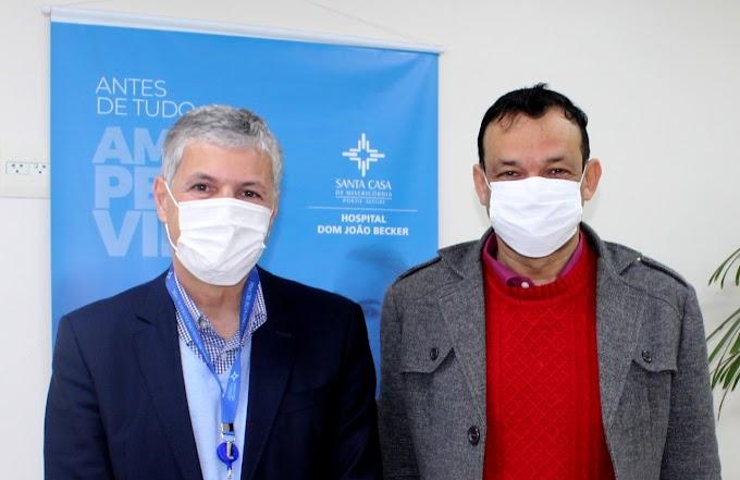 Hospital Dom João Becker apresenta números de atendimentos SUS ao vereador Dilamar Soares