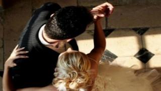Λάρισα: Δυσάρεστες εκπλήξεις μετά την πρώτη νύχτα γάμου – Έξαλλη η νύφη στην παραλία!