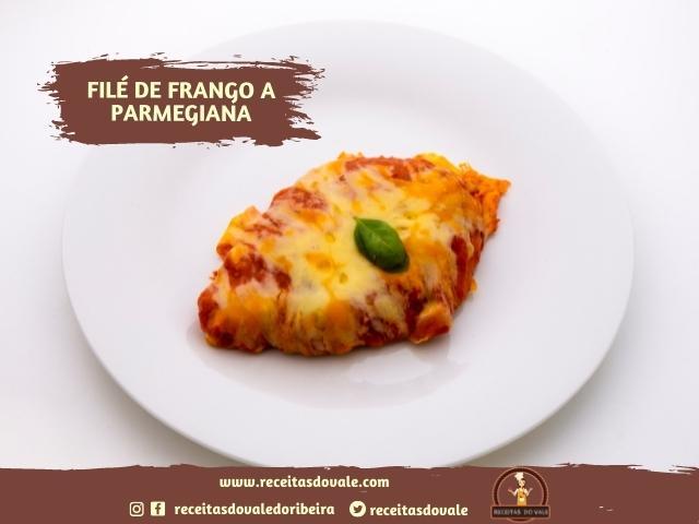 Receita de Filé de frango a Parmegiana Fácil