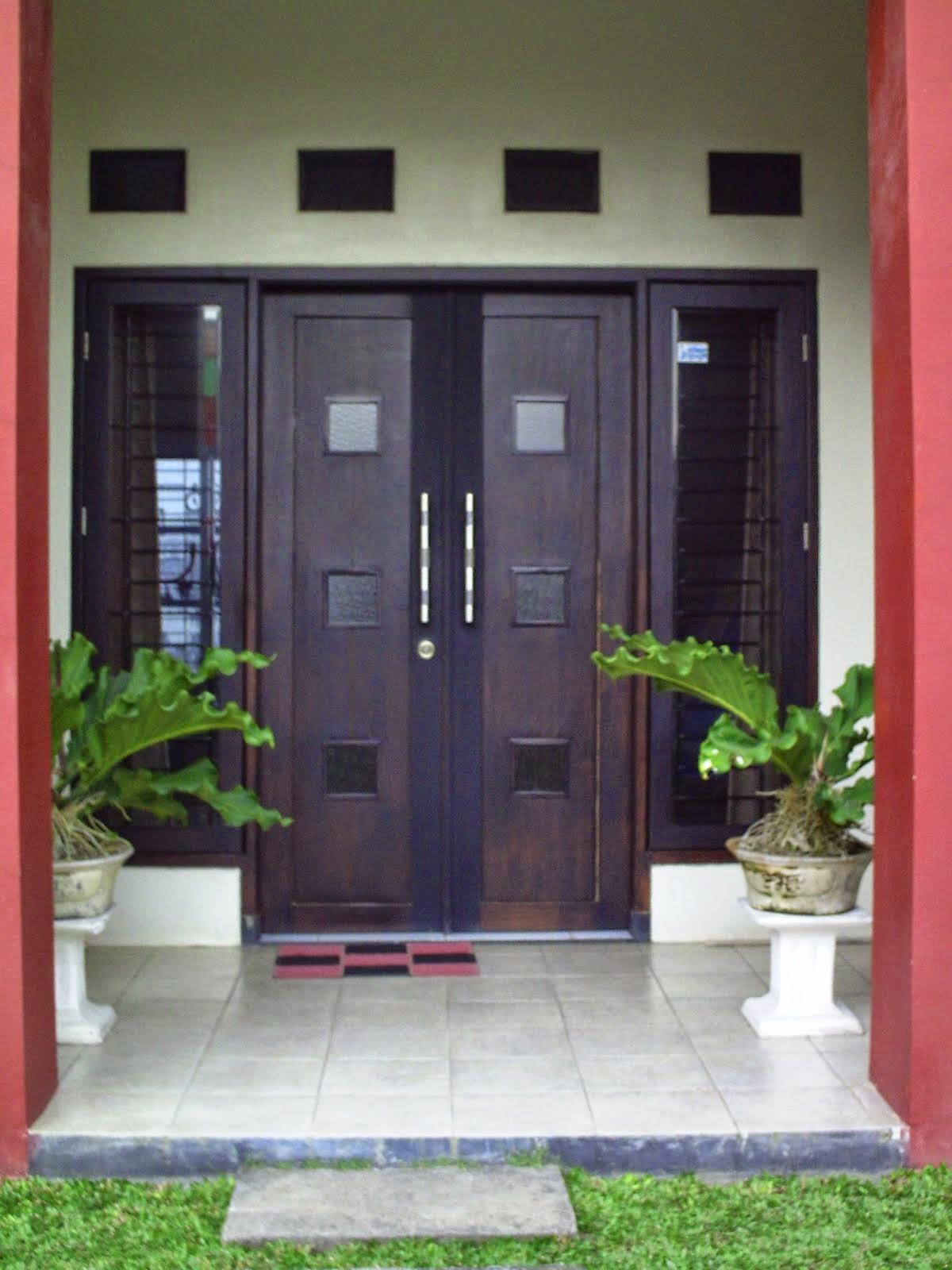 Pintu Rumah Minimalis Dua Daun