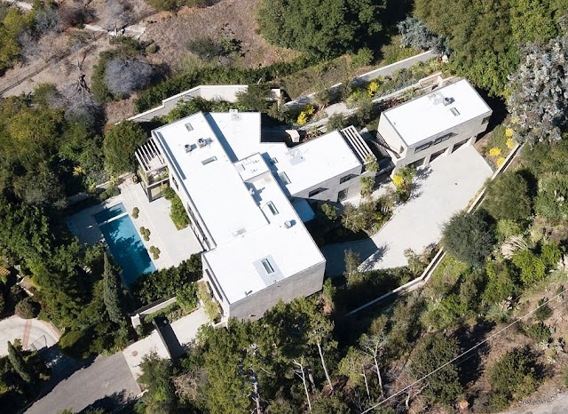 [BangHitz] CHECK OUT KYLIE JENNER'S NEWLY ACQUIRED $36 MILLION MANSION [PHOTOS].
