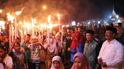 Pawai Obor Semarakkan Tahun Baru Islam di Sikabu - Pariaman Selatan