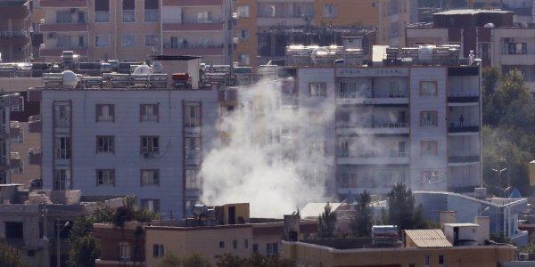 Κούρδοι μαχητές εμποδίζουν τους Αμερικανούς να φύγουν από τη Συρία