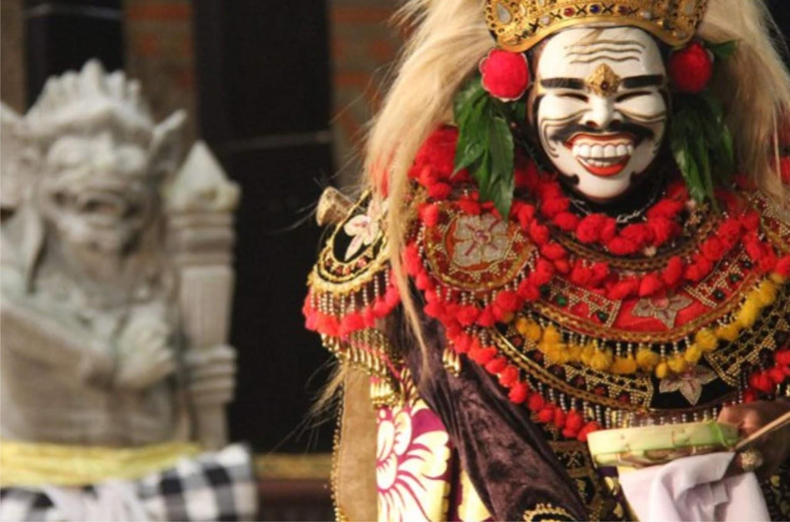 √pemerintah memajukan kebudayaan nasional Indonesia ...