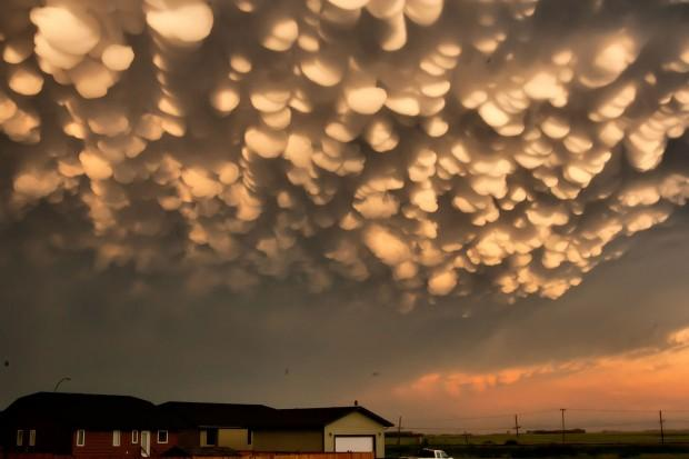 Image result for mammatus clouds
