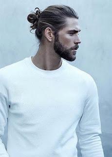 style rambut yang di ikat dibelakang