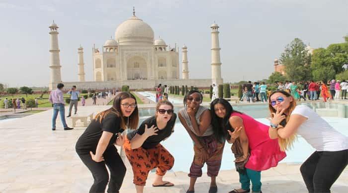 Taj Mahal Foreigner Visit