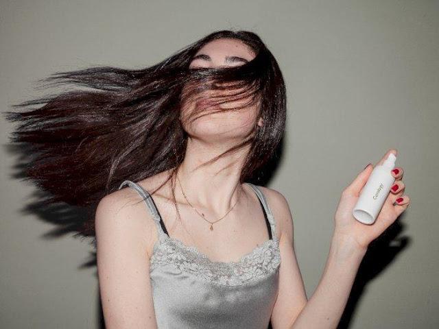 Cara Membuat Rambut Wangi Dengan Cepat dan Ampuh