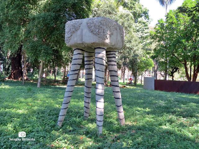 Close-up da Escultura Sem Título - Parque Jardim da Luz - São Paulo