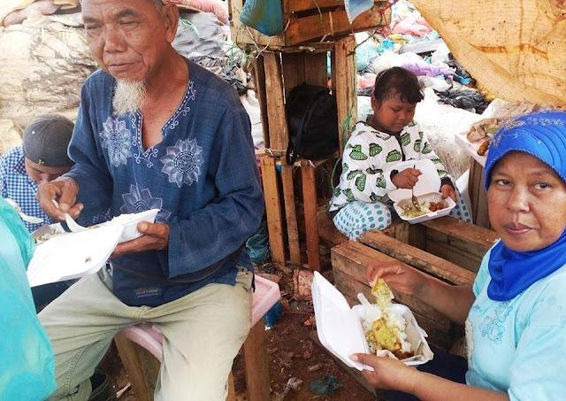 Komunitas Batam Bagi Nasi Pagi setiap Jumat 02