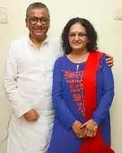 Shakti Mohan parents