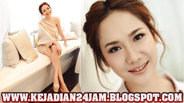 BCL Tetap Tampil Di Acara Romantic Valentine Concert Walau Sedang Berduka