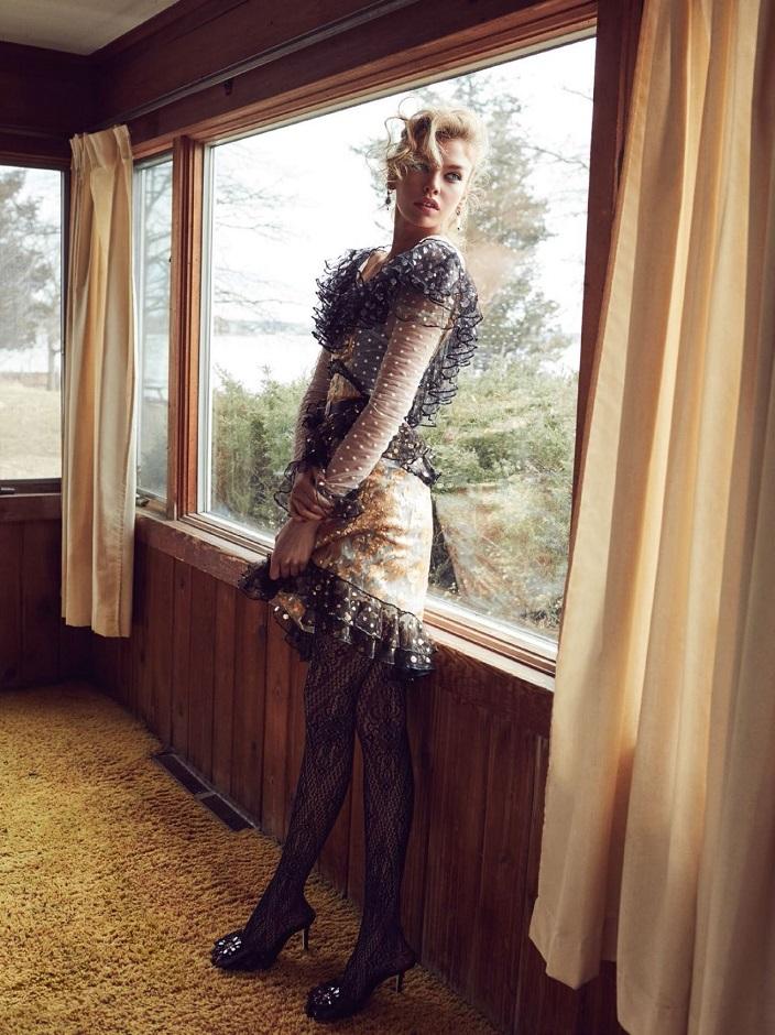 Stella Maxwell Vogue Turkey