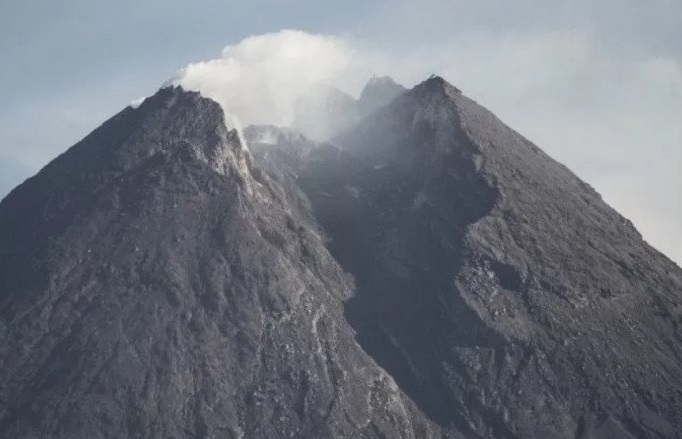 BPBD: There is a lot of new landslide material from the top of Mount Merapi