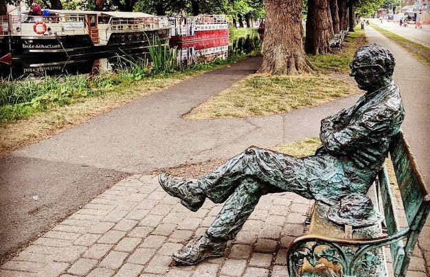 Dublin Walks: Visit Patrick Kavanagh on the Grand Canal near Baggot Street