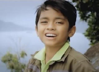 Nando Penyanyi Minang Cilik