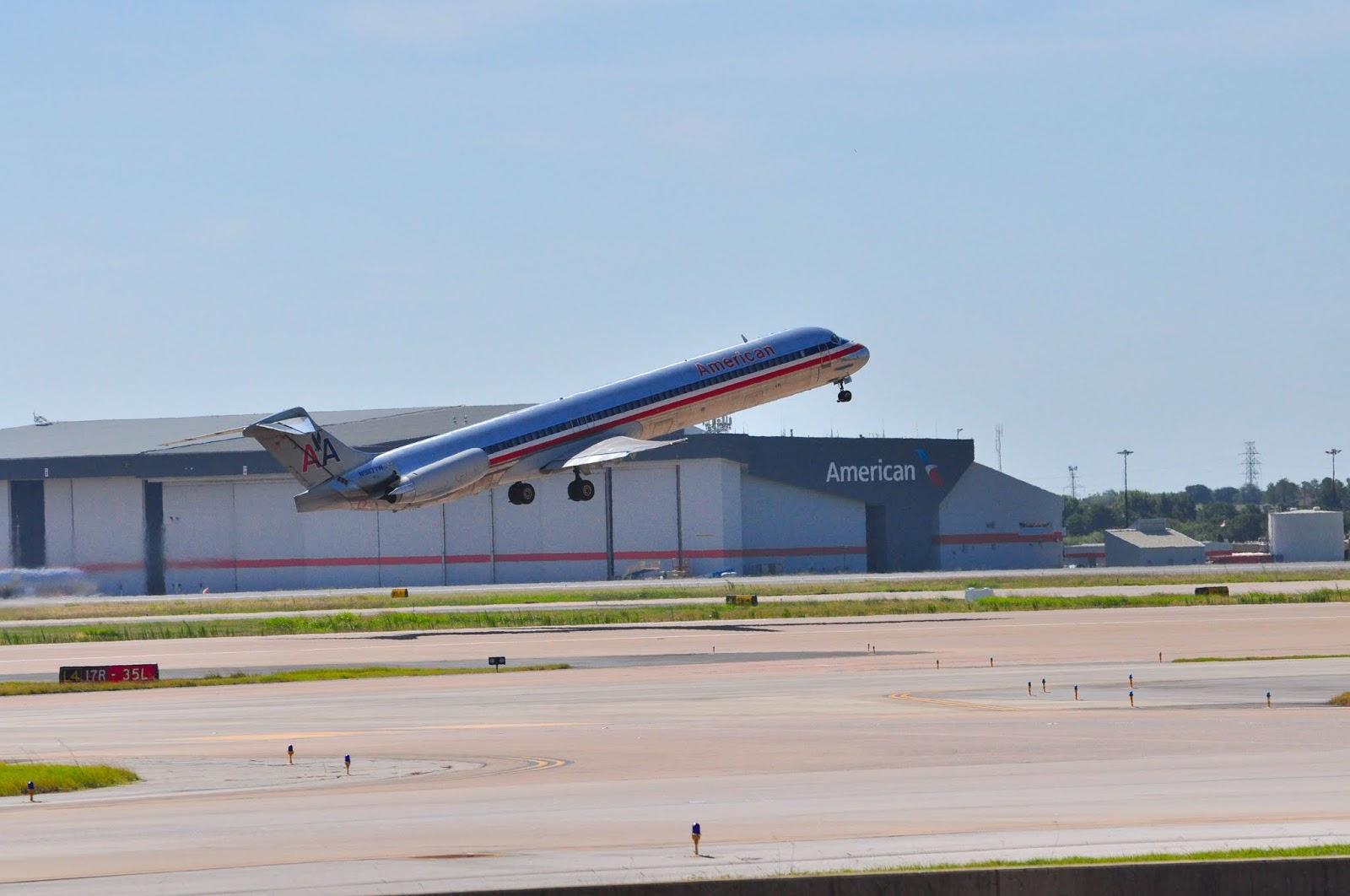O Fim de uma Era: A American aposenta o MD-80, o Super 80 | É MAIS QUE VOAR