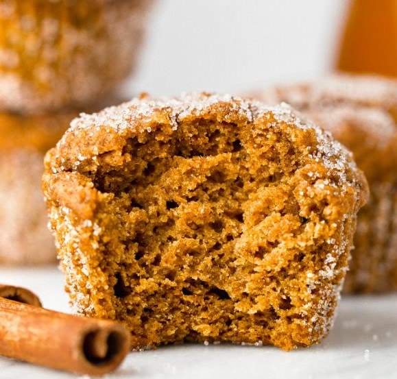 Vegan Pumpkin Muffins (gluten-free, whole grain options) #desserts #delicious