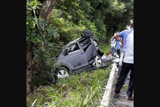 Colisão e capotamento de carros deixa uma pessoa morta e duas feridas na BR-101