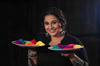 Vidya Balan Playing Holi For Promoting Begum Jaan movie 14.JPG