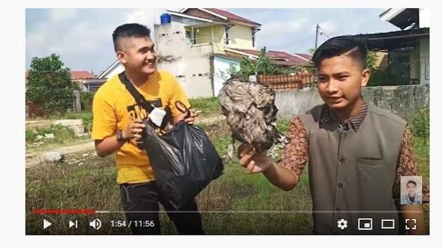 Viral YouTuber Prank Bagi Daging Kurban Ternyata Isinya Sampah, Para Korban: Kurang Ajar Ya Kamu!