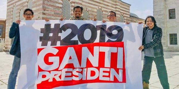 Spanduk #2019GantiPresiden Masuk ke Turki