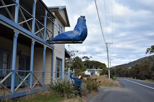 BIG Blue Seal Sculpture in Eaglehawk Neck, Tasmania