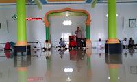 Kapolsek Belitang Hadiri Peringatan Maulid Nabi Muhammad SAW Di Masjid Sirajuddin