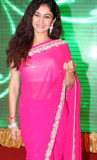 neha mehta age, husband, facebook, marriage, shakuntala, instagram, contact number, wiki, cleavage, in bikini, biography, shailesh lodha, navel, date of birth, boobs