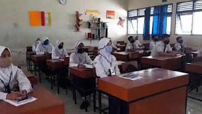 Puluhan Guru Positif Covid-19, Sekolah Tatap Muka Dikaji Lagi