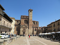Puerta del mercado o la cadena Catedral de Sigüenza
