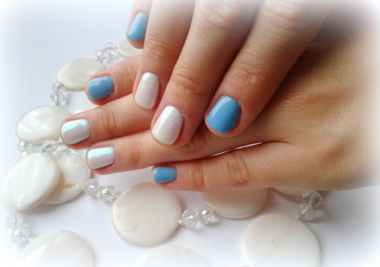 manicure hybrydowy biel błękit efekt syrenki