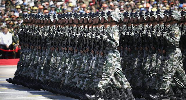 Forças Armadas chinesas ensaiam parada militar