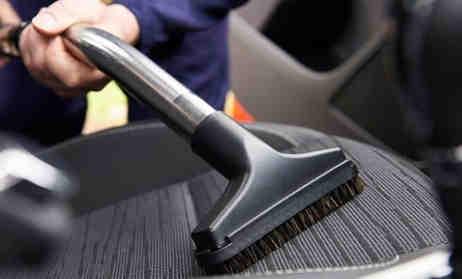 Menghilangkan Bau Mobil