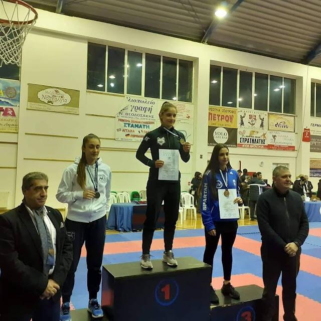 Πανελλήνια Πρωταθλήτρια στο καράτε η Θεσπρωτή Μαρία Στόλη