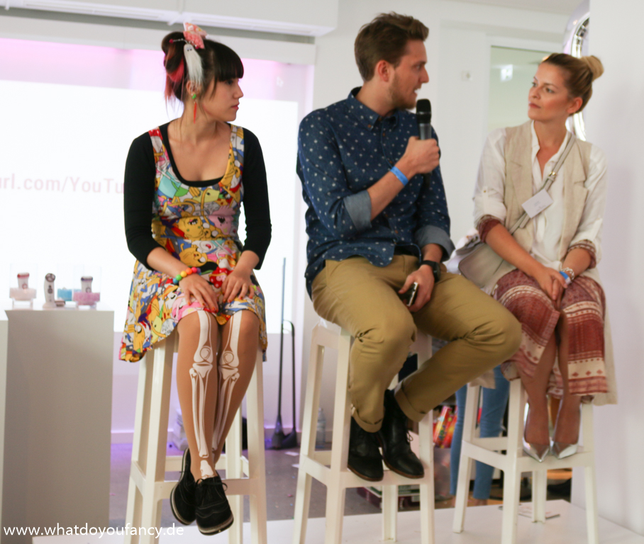 X. FashionBloggerCafé