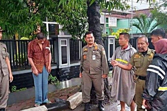 Viral! Pria Mematung 7 Jam di Pinggir Jalan di Kebumen, Ditemukan Obat Bertuliskan Mr X