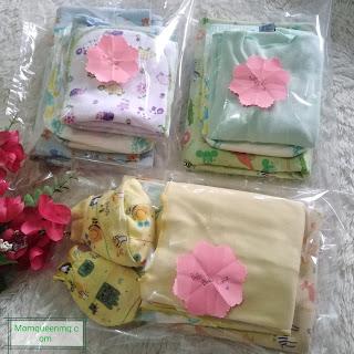 Packing popok dan pakaian bayi