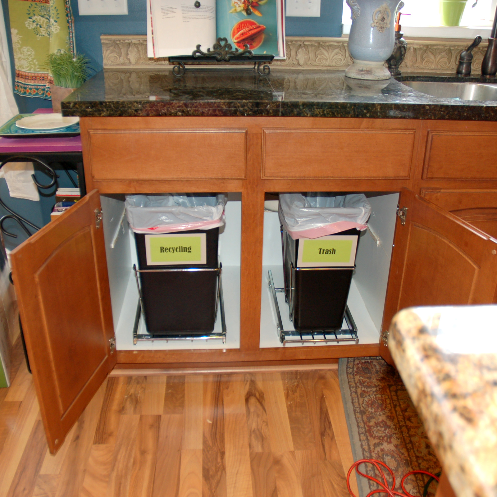 restlessrisa: UNDER CABINET TRASH CANS make me HAPPY HAPPY ...