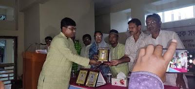 'প্রমিত বাংলা পরিষদ' সম্মাননা পদক পেলেন ইবি অধ্যাপক ড. মনজুর