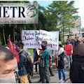 Ratusan Warga Sungai Selayur Demo PT Pusri