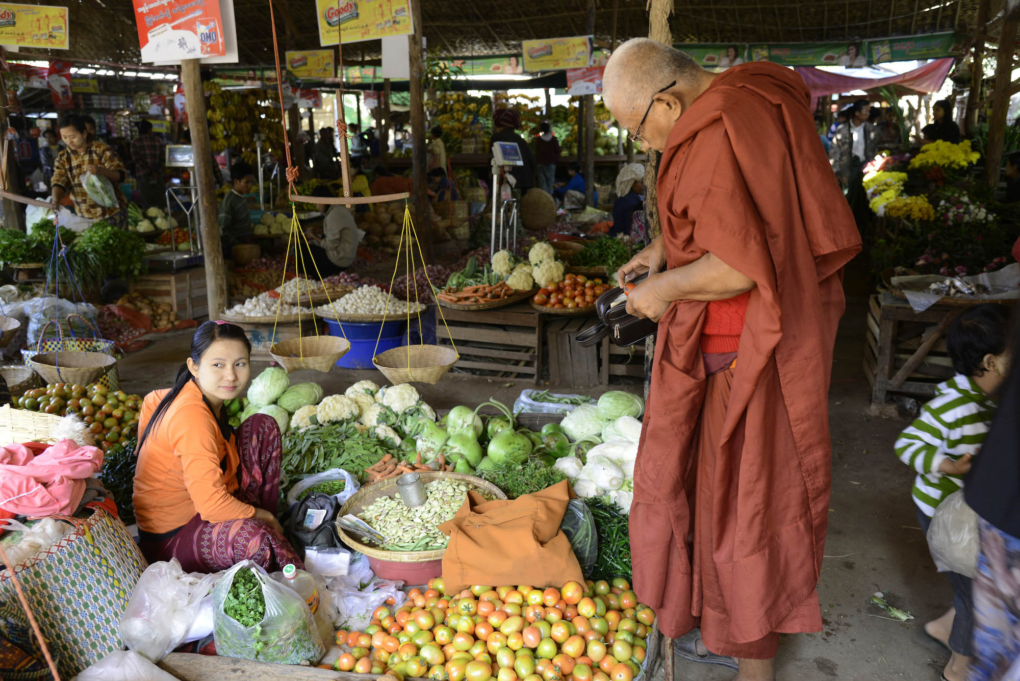 Экзотические фрукты на рынке Ньяунг-Шве, Баган, Мьянма