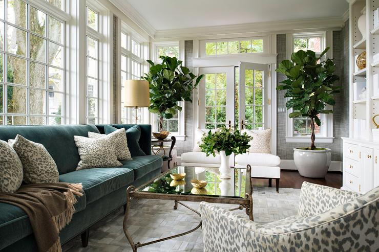 design-trends-velvet-sofa-living-room-glam-chic