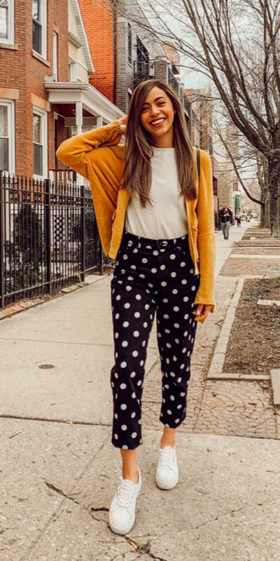 Comfy and casual style is perfect choice for summer season. It's time to share 26 Casual Summer Outfit Ideas You need this moment. Casual Outifts + Summer Style via higiggle.com #summeroutfits #casualoutfits #summer