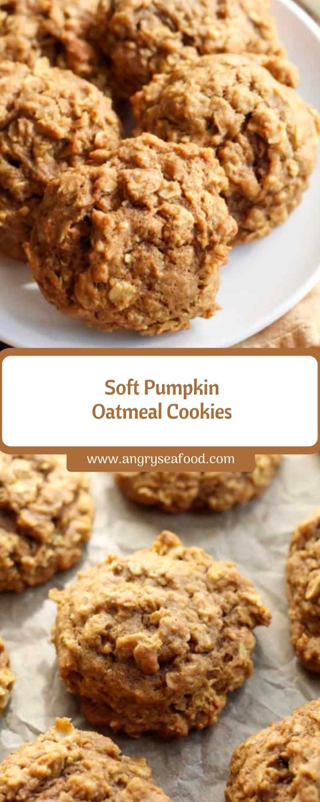 Soft Pumpkin Oatmeal Cookies