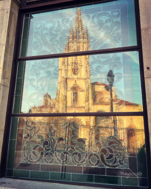 Reflejo_Catedral de Oviedo_©SandraSánchez