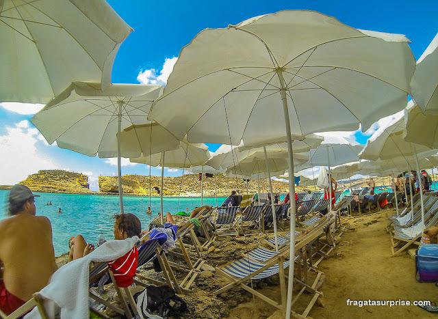 Aluguel de cadeiras de praia e guarda-sóis na Lagoa Azul de Malta